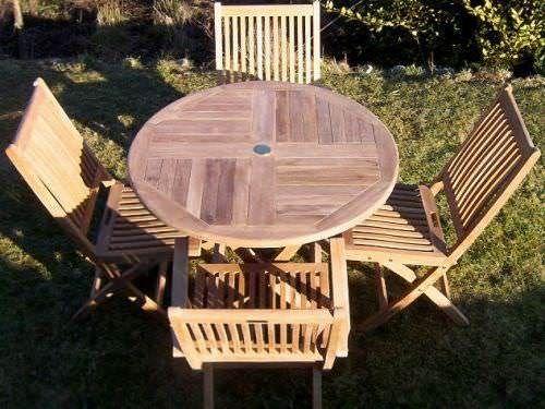 1m Circular Folding Table with 4 Kiffa Folding Chairs & Armchairs