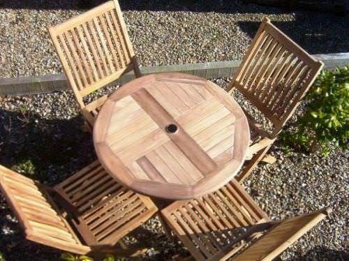 80cm Circular Folding Table with 4 Kiffa Folding Chairs