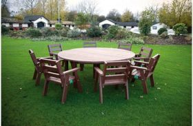 Recycled Plastic Large Circular Table With 8 Sloper Chairs